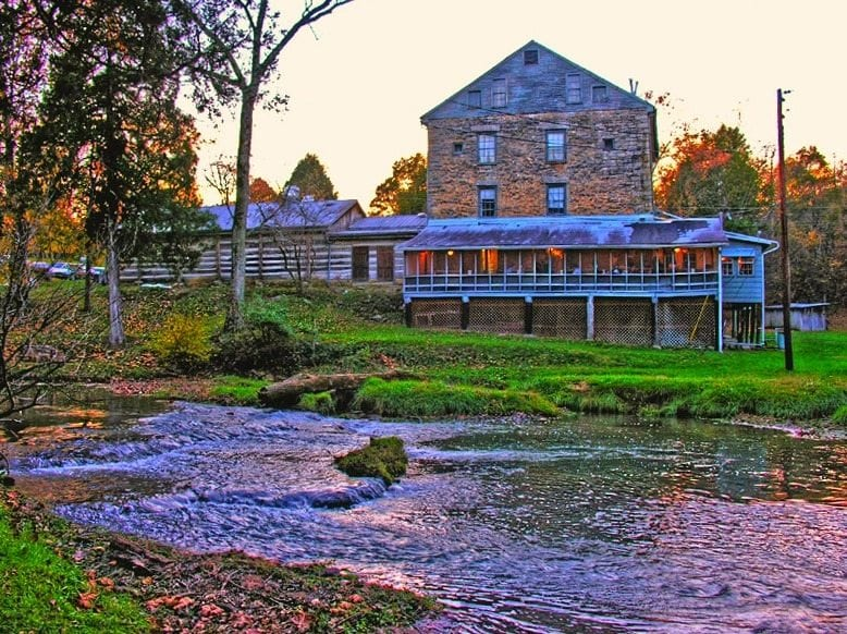 Doe Run Inn Featured Auction