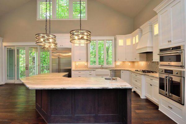 Mistletoe kitchen