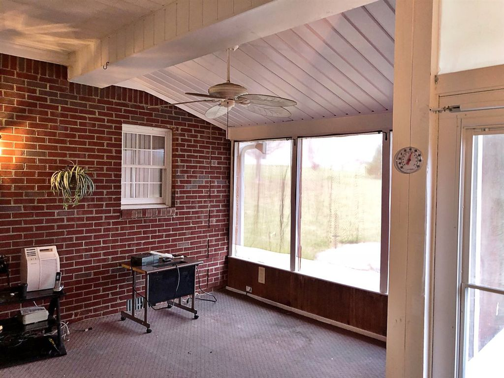 Real Estate Auction 109 Coventry